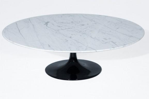 Mesa de Centro Saarinen Oval 160x90 cm Mármore Branco Carrara