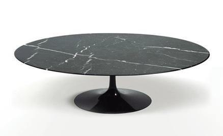 Mesa de Centro Saarinen Oval 137x90 cm Mármore Nero